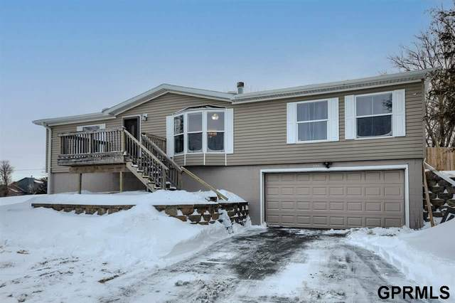 2221 Rock Bluff Road, Plattsmouth, NE 68048 (MLS #22101120) :: kwELITE