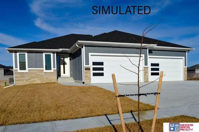 9520 Green Valley Lane, Lincoln, NE 68516 (MLS #22101551) :: Berkshire Hathaway Ambassador Real Estate