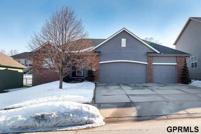 15417 Chalco Pointe Drive, Omaha, NE 68138 (MLS #22101868) :: The Briley Team
