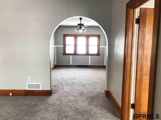 2723 N 50th Street, Omaha, NE 68104 (MLS #22102090) :: Omaha Real Estate Group