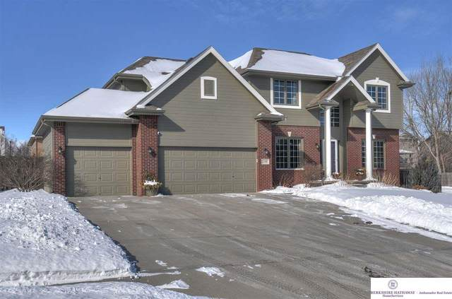 2350 Broadwater Drive, Papillion, NE 68046 (MLS #22102355) :: The Briley Team