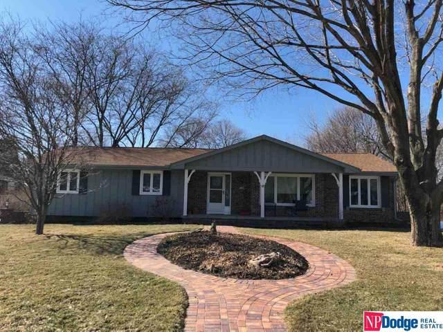 11208 N 61 Circle, Omaha, NE 68152 (MLS #22102404) :: Catalyst Real Estate Group