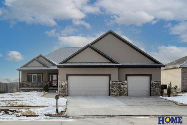 2745 Hoy Street, Lincoln, NE 68516 (MLS #22102424) :: Stuart & Associates Real Estate Group