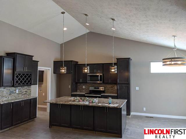 2815 Regent Place, Lincoln, NE 68507 (MLS #22102767) :: Don Peterson & Associates