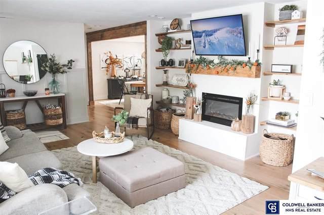 11905 Skylark Drive, Omaha, NE 68144 (MLS #22102852) :: Lincoln Select Real Estate Group