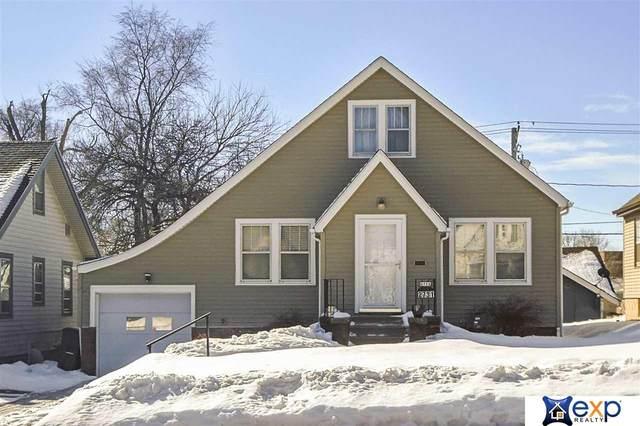 2731 Read Street, Omaha, NE 68112 (MLS #22102869) :: Lincoln Select Real Estate Group