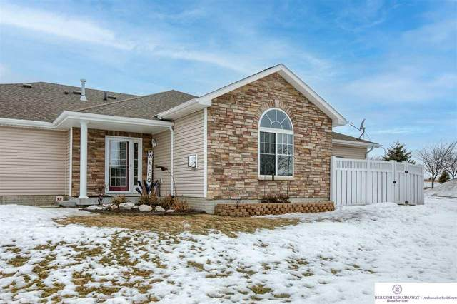 8506 N 161 Plaza, Bennington, NE 68007 (MLS #22102933) :: Dodge County Realty Group