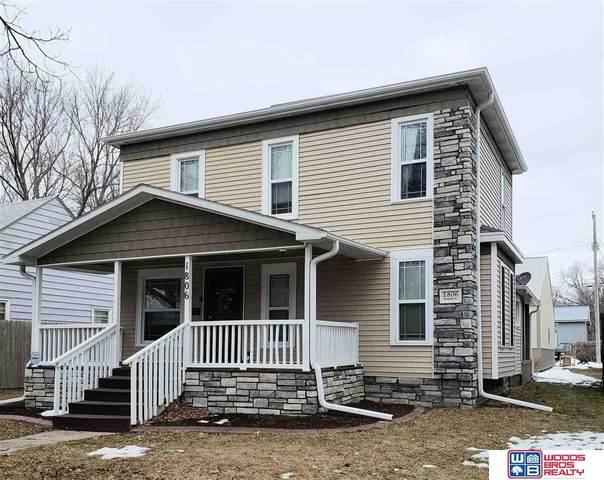 1806 Grant Street, Beatrice, NE 68310 (MLS #22103000) :: kwELITE