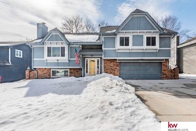 805 Redwood Lane, Papillion, NE 68046 (MLS #22103023) :: Stuart & Associates Real Estate Group