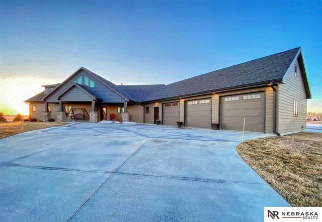 5600 Haymeadow Ridge, Hastings, NE 68901 (MLS #22103069) :: kwELITE