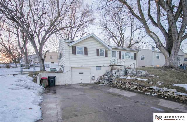 1602 Cole Creek Drive, Omaha, NE 68114 (MLS #22103084) :: Don Peterson & Associates