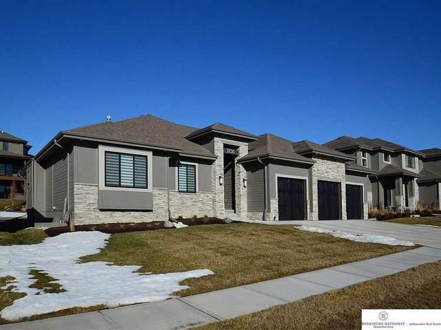 2108 S 209 Street, Elkhorn, NE 68022 (MLS #22103120) :: The Homefront Team at Nebraska Realty