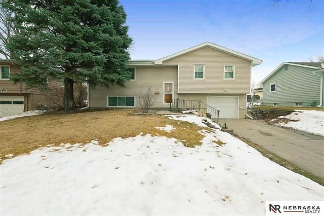 4971 Magnolia Street, Omaha, NE 68137 (MLS #22103131) :: Berkshire Hathaway Ambassador Real Estate