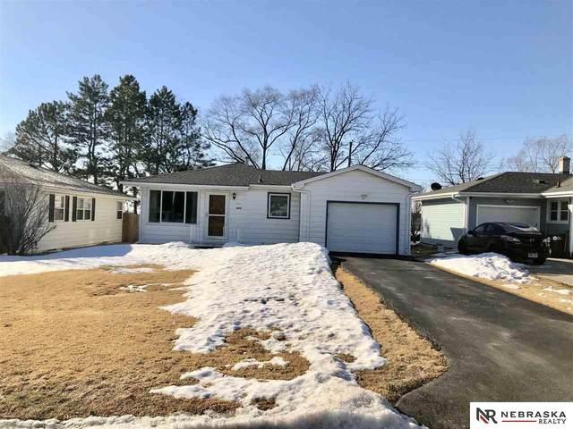 6919 B Street, Omaha, NE 68106 (MLS #22103165) :: Stuart & Associates Real Estate Group