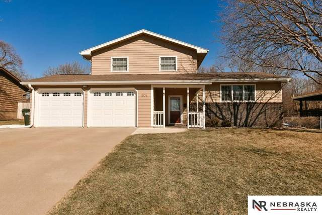 904 Hogan Drive, Papillion, NE 68046 (MLS #22103202) :: Catalyst Real Estate Group