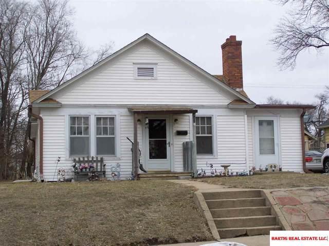 822 Ella Street, Beatrice, NE 68310 (MLS #22103213) :: kwELITE