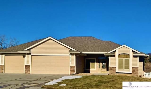2112 Titan Springs Drive, Papillion, NE 68133 (MLS #22103369) :: kwELITE