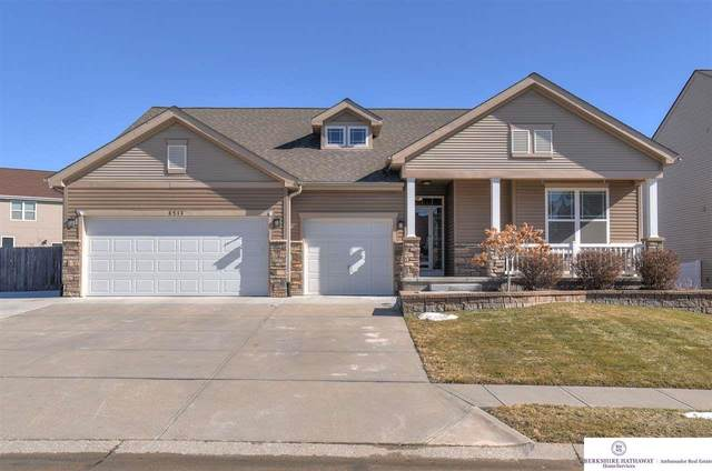 8513 S 163 Street, Omaha, NE 68136 (MLS #22103403) :: One80 Group/KW Elite