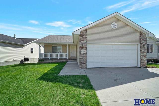 7300 Silverthorn Drive, Lincoln, NE 68521 (MLS #22103508) :: One80 Group/KW Elite