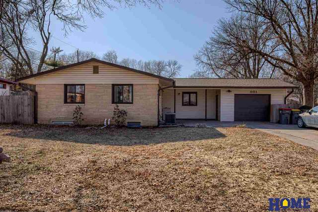 801 Mulder Drive, Lincoln, NE 68510 (MLS #22103623) :: Stuart & Associates Real Estate Group