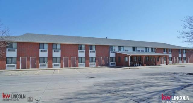 1140 Calvert Street, Lincoln, NE 68502 (MLS #22103646) :: kwELITE