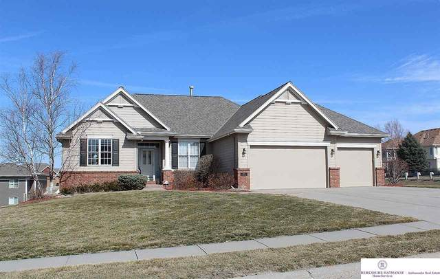 1402 Lake Vista Circle, Papillion, NE 68046 (MLS #22103752) :: Complete Real Estate Group