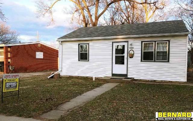 2222 N 32nd Street, Lincoln, NE 68503 (MLS #22104439) :: Complete Real Estate Group