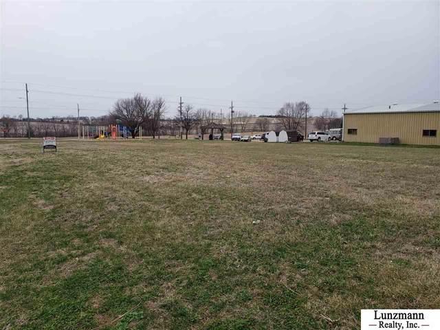 111 Kuhlmann Avenue, Auburn, NE 68305 (MLS #22104927) :: Capital City Realty Group