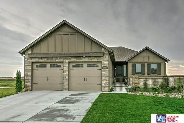10175 Edgewater Lane, Lincoln, NE 68527 (MLS #22104965) :: Berkshire Hathaway Ambassador Real Estate