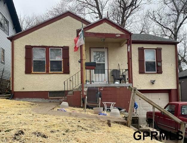 3940 N 39th Street, Omaha, NE 68111 (MLS #22105000) :: Capital City Realty Group