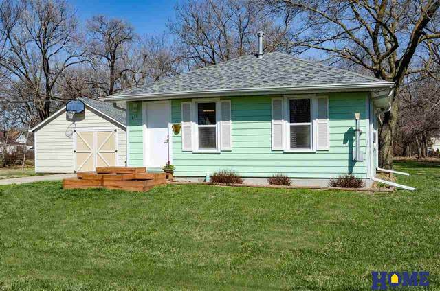 616 Bismark Street, Beatrice, NE 68310 (MLS #22105199) :: Dodge County Realty Group