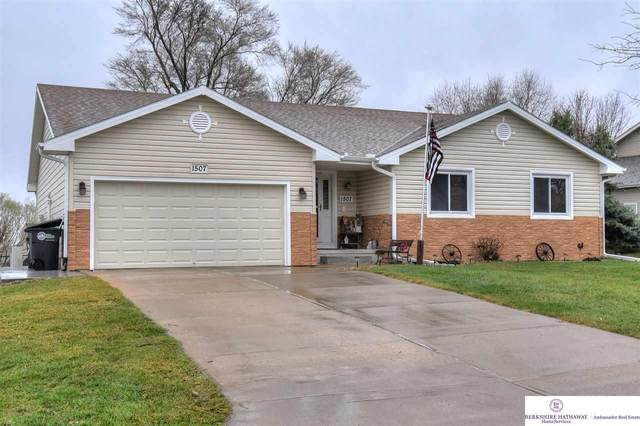 1507 N 211 Street, Omaha, NE 68022 (MLS #22105222) :: Capital City Realty Group