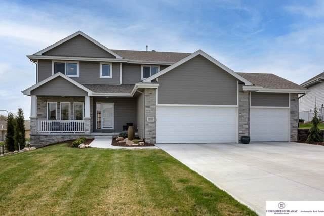 12301 Reynolds Circle, Omaha, NE 68142 (MLS #22105316) :: kwELITE