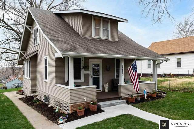 5812 S 18th Street, Omaha, NE 68107 (MLS #22105396) :: Dodge County Realty Group
