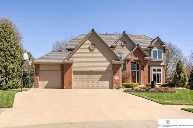 18514 Marinda Circle, Omaha, NE 68130 (MLS #22105403) :: Berkshire Hathaway Ambassador Real Estate