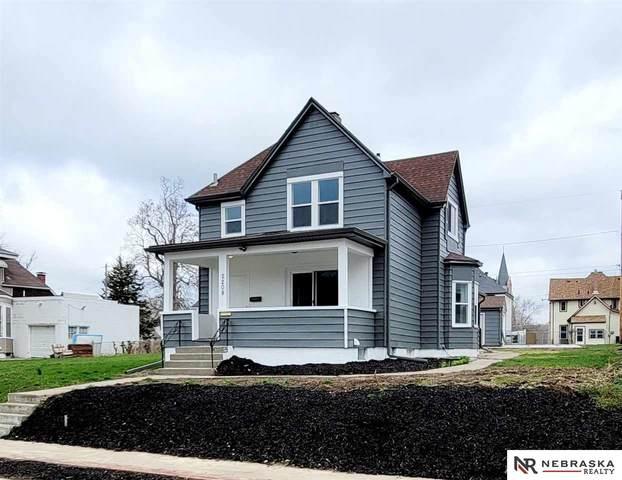 2208 Maple Street, Omaha, NE 68110 (MLS #22105492) :: Complete Real Estate Group