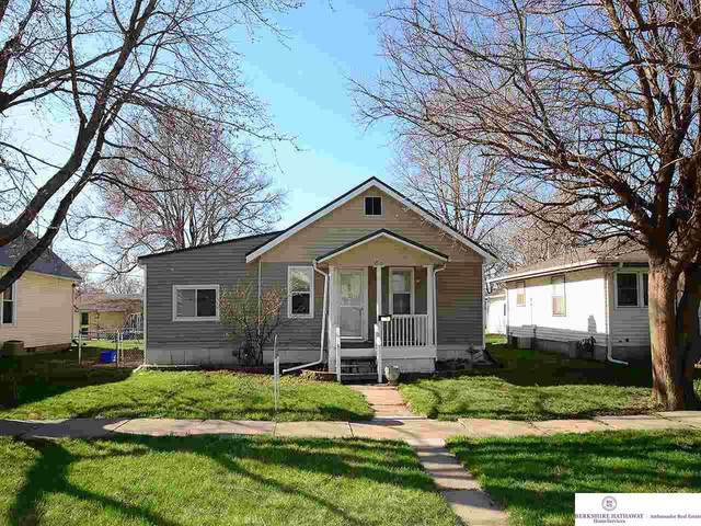 2405 Fourth Avenue, Council Bluffs, NE 51501 (MLS #22105649) :: Complete Real Estate Group