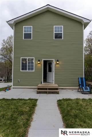 4732 N 36th Avenue, Omaha, NE 68111 (MLS #22105793) :: Berkshire Hathaway Ambassador Real Estate