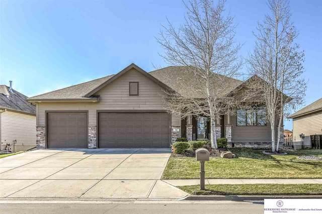 781 Avenue P, Carter Lake, IA 51510 (MLS #22105936) :: Berkshire Hathaway Ambassador Real Estate