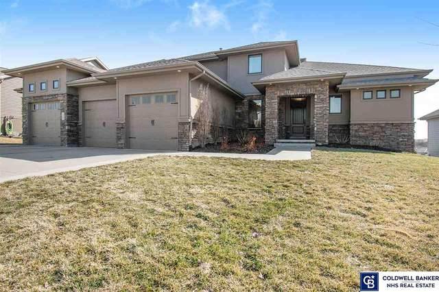 17621 Patrick Avenue, Omaha, NE 68116 (MLS #22105992) :: Berkshire Hathaway Ambassador Real Estate