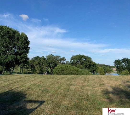 10829 Fairway Drive, Omaha, NE 68136 (MLS #22106017) :: kwELITE