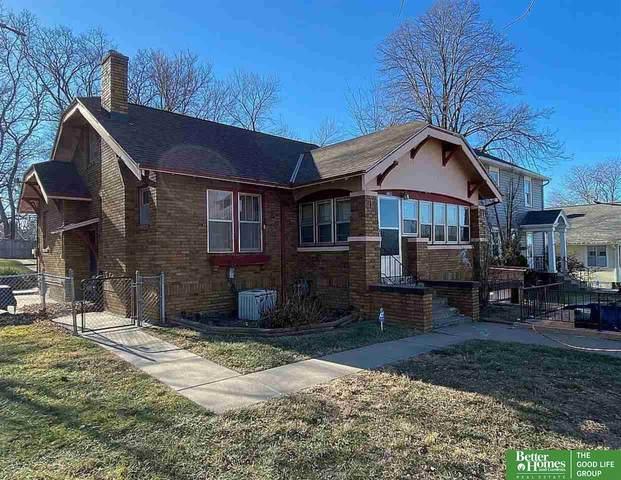 6811 Maple Street, Omaha, NE 68104 (MLS #22106059) :: Berkshire Hathaway Ambassador Real Estate