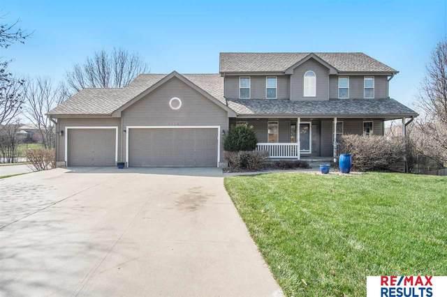 5924 S 169 Street, Omaha, NE 68135 (MLS #22106067) :: Berkshire Hathaway Ambassador Real Estate