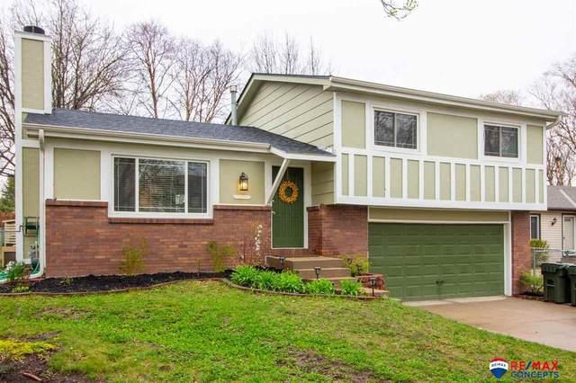 2816 Shelley Circle, Lincoln, NE 68516 (MLS #22106089) :: Berkshire Hathaway Ambassador Real Estate