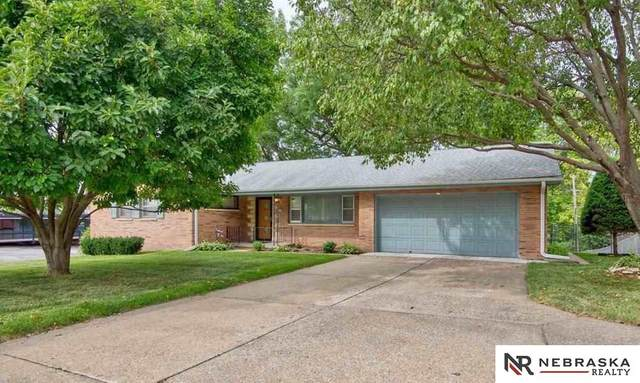 2330 S 90th Street, Omaha, NE 68124 (MLS #22106104) :: Capital City Realty Group