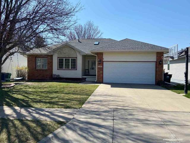 7121 S 30th Place, Lincoln, NE 68516 (MLS #22106192) :: Lincoln Select Real Estate Group
