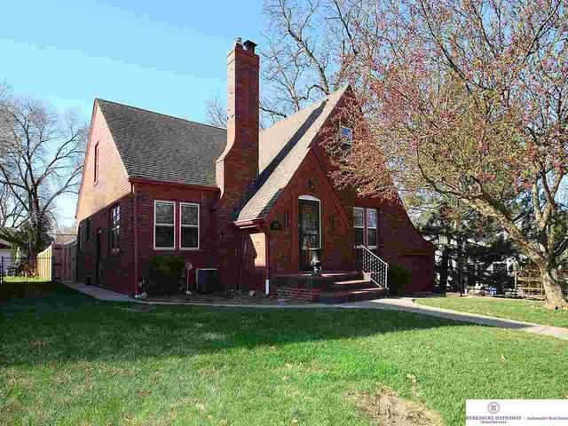 5535 Marcy Street, Omaha, NE 68106 (MLS #22106339) :: Berkshire Hathaway Ambassador Real Estate