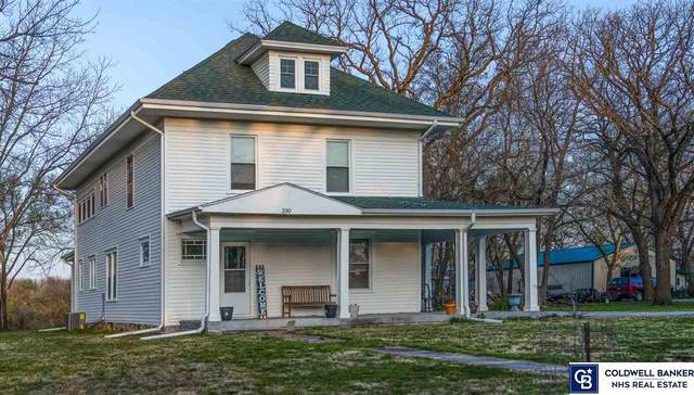 200 N Douglas Street, Blue Springs, NE 68318 (MLS #22106437) :: Dodge County Realty Group