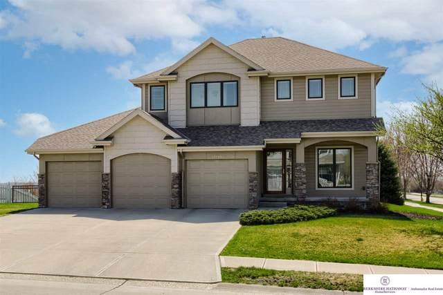 19719 Hickory Street, Omaha, NE 68130 (MLS #22106493) :: Omaha Real Estate Group