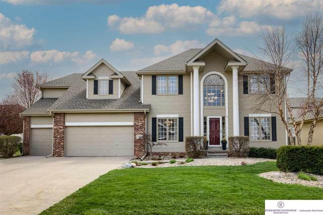 15923 Newport Avenue, Omaha, NE 68116 (MLS #22106494) :: Berkshire Hathaway Ambassador Real Estate